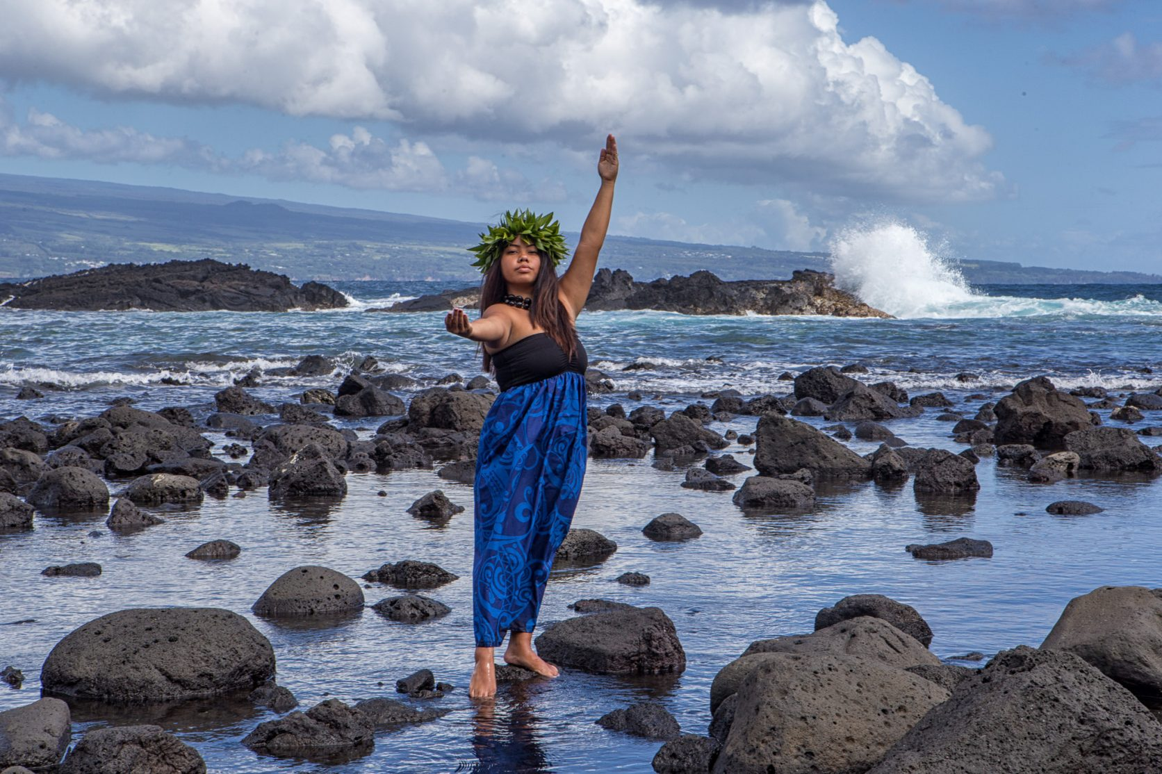 hula dancer beach portrait richardson ocean park hilo hawaii - big island photographer
