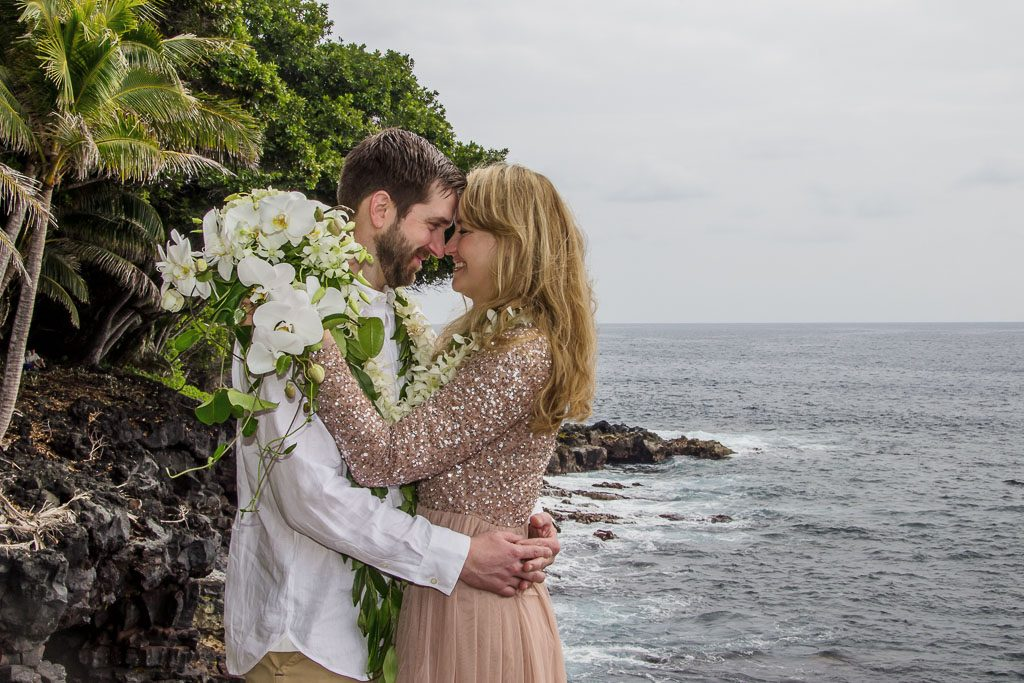 Amy and Austins Hawaii adventure elopement Beyond the Box Photography Debi Buck 292