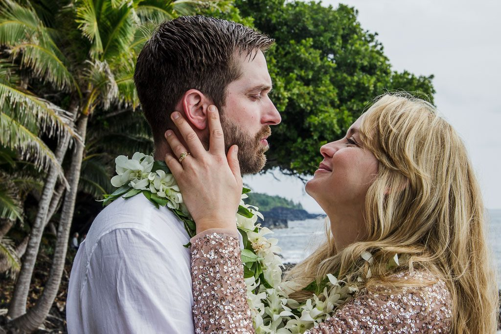 Amy and Austins Hawaii adventure elopement Beyond the Box Photography Debi Buck 296
