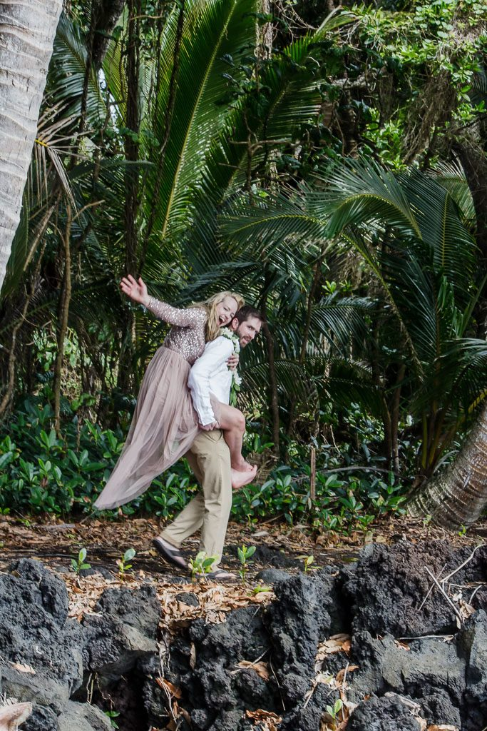 Amy and Austins Hawaii adventure elopement Beyond the Box Photography Debi Buck 370