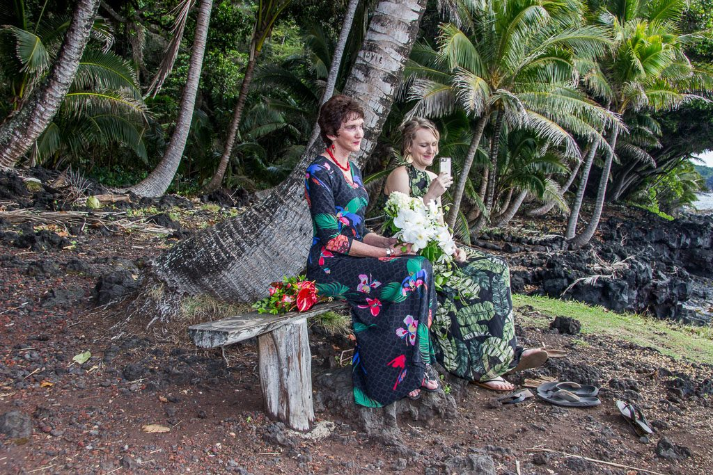 Amy and Austins Hawaii adventure elopement Beyond the Box Photography Debi Buck 76